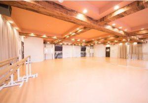 横浜 馬車道 レンタルスタジオ は バレエ フラ リトミック ヨガ 空手 の レッスンスタジオ が可能な 貸しスタジオ 馬車道 駅1分の ダンススタジオ