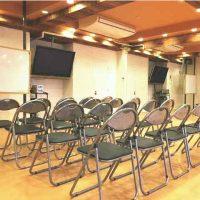 横浜 レンタルスタジオ は バレエ フラ リトミック ヨガ 空手 のレッスンスタジオが可能な 貸しスタジオ 馬車道 駅1分の ダンススタジオ にイスが増えました
