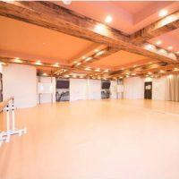 横浜 レンタルスタジオ は バレエ フラ リトミック ヨガ 空手 の レッスンスタジオ が可能な 貸しスタジオ 馬車道 駅1分の ダンススタジオ