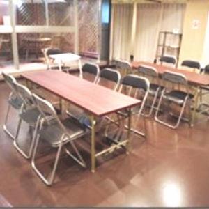 横浜 レンタルスタジオ は バレエ フラ リトミック ヨガ 空手 の レッスンスタジオ が可能な 貸しスタジオ 馬車道 駅1分の ダンススタジオ イスが21脚もあり、囲碁や将棋もできます。